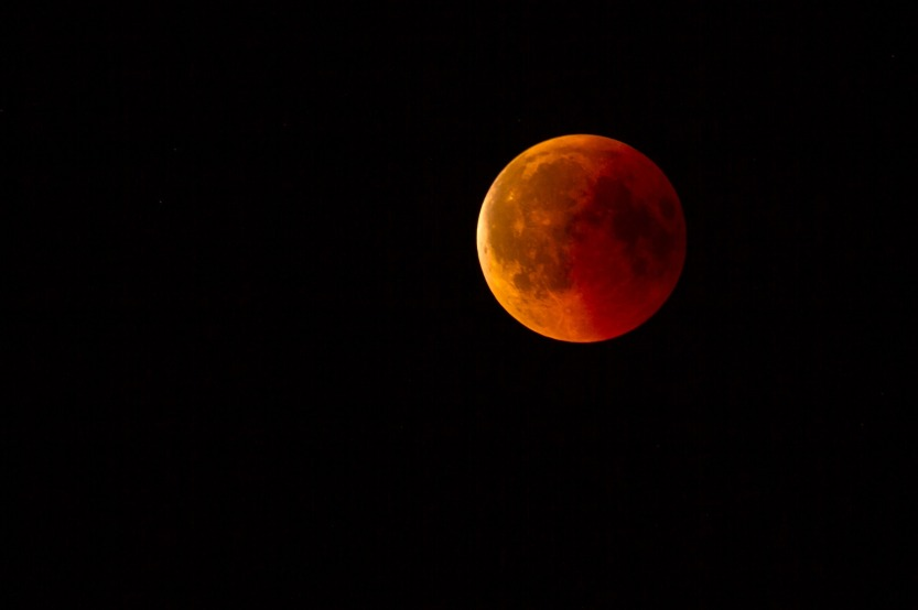 lunar-eclipse-3568801_1920